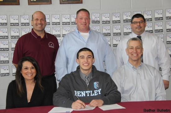 Joey Piatnik Signs Letter of Intent